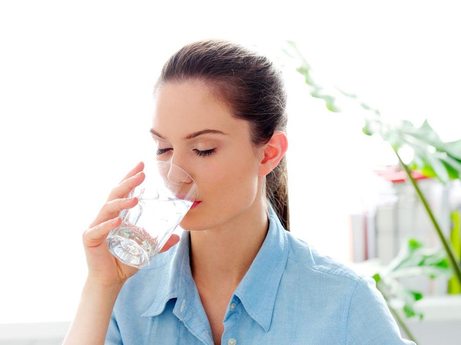 l'importanza di bere acqua pulita